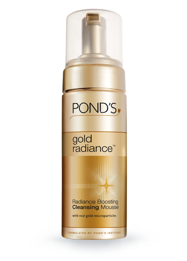Free Pond's Gold Radiance Boosting Cleansing Mousse Sample